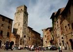 300px-Piazza_cisterna_01.jpg